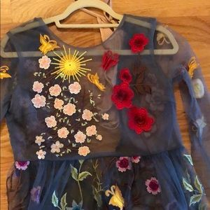 Dresses - Gorgeous embroidered dress